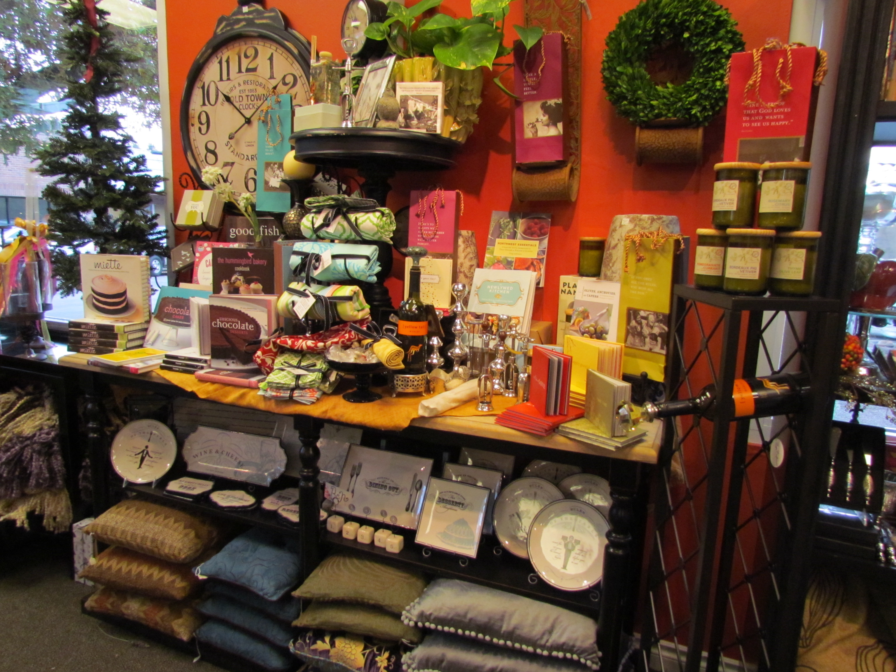 Magnolia Garden Center, Seattle\'s Coolest Linens